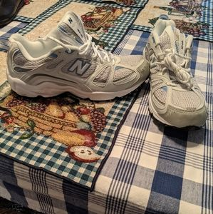 BRAND NEW...New balance 473 trail shoes - mens